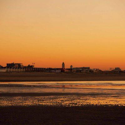 Strandzicht boulevard van Katwijk aan Zee